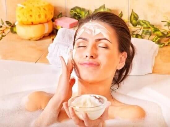 Cách chăm sóc da mặt vào mùa hè với những nguyên tắc đơn giản 2